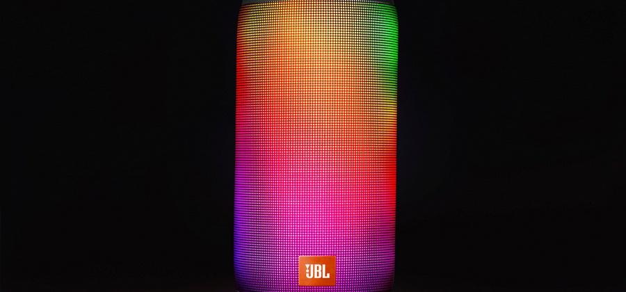 JBL представила беспроводную колонку Pulse 2