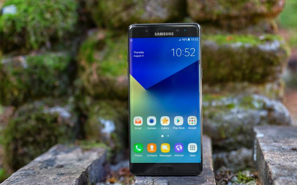 Самсунг потеряет $1 млрд из-за самовозгорания Galaxy Note 7