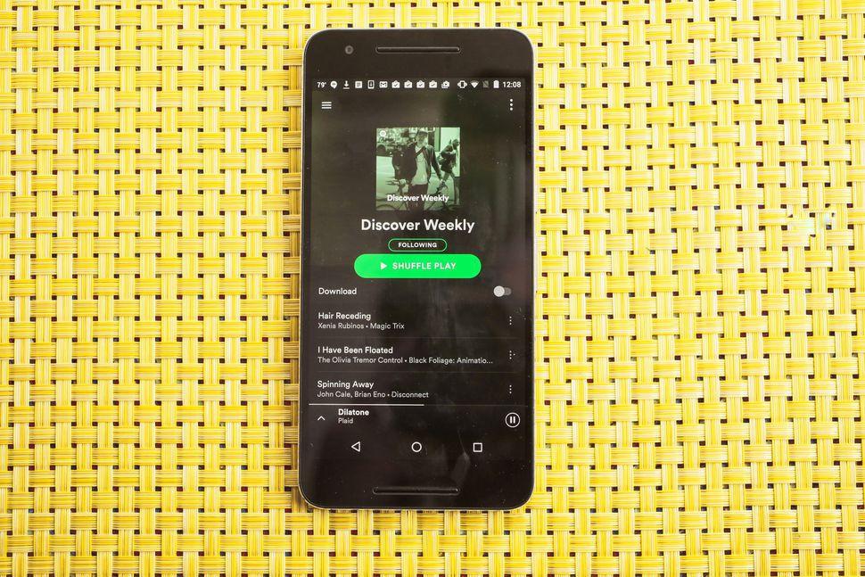 Число платных фолловеров музыкального стримингового сервиса Spotify достигло 40 млн
