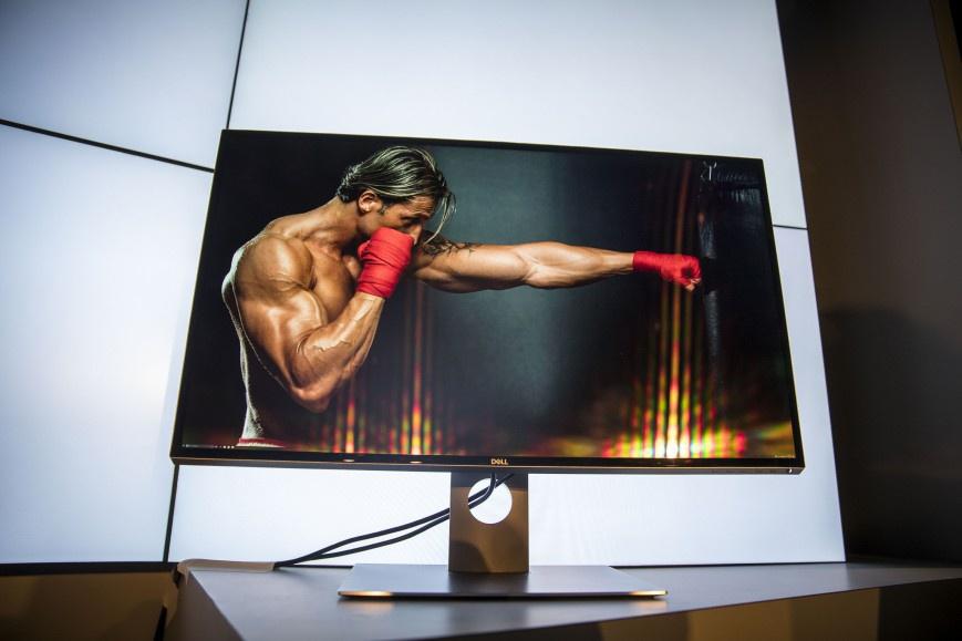 Dell 27 Ultrathin стоит 700 долларов
