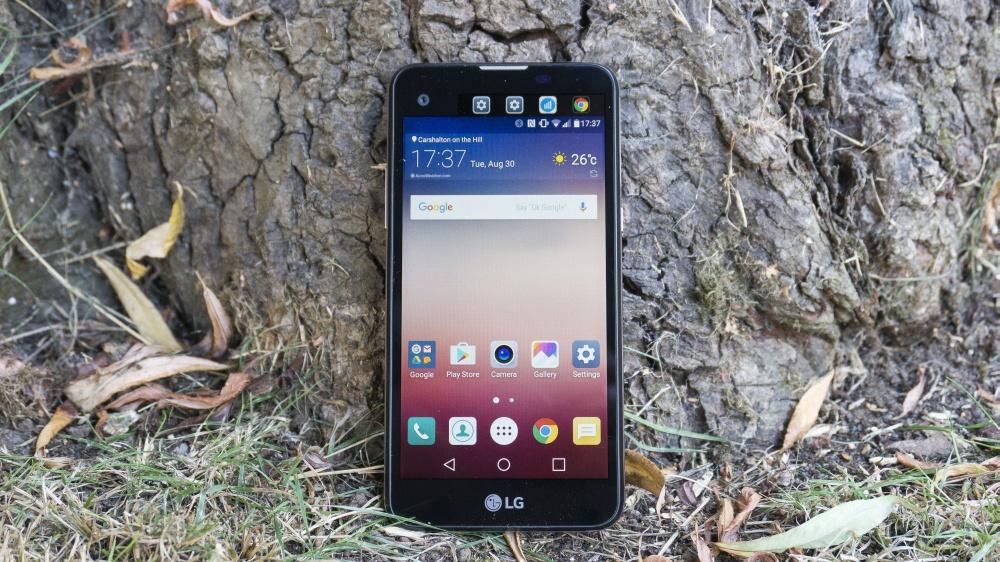Складной смартфон Самсунг сумеет разворачиваться в7-дюймовый планшет