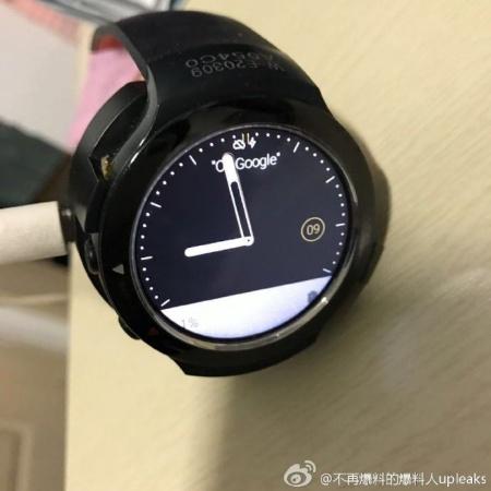 Больше фотографий часов HTC Halfbeak