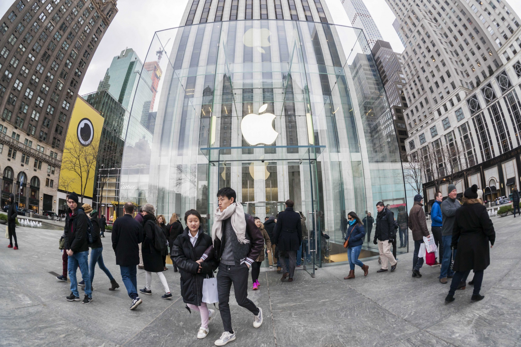 Apple сообщила орекордной выручке заквартал