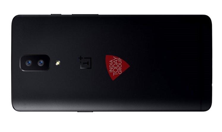 Первое изображение OnePlus 5 сдвойной основной камерой