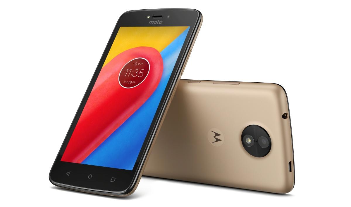 Motorola представила недорогие Moto C и Moto C Plus