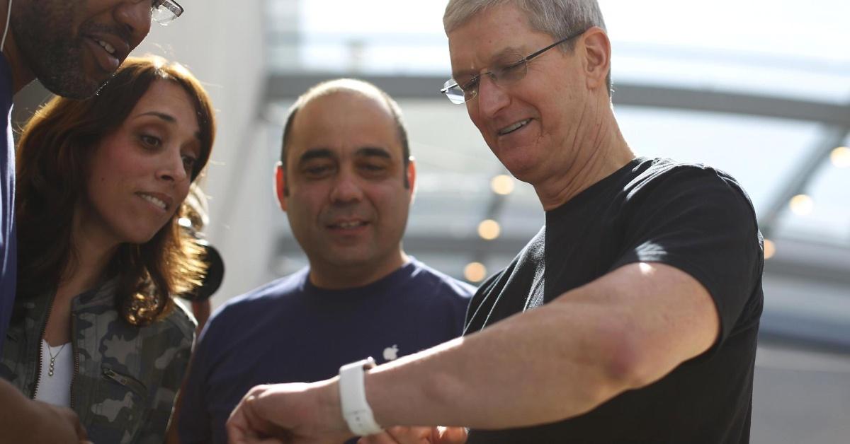 Гендиректор Apple тестирует подключаемый к«умным» часам глюкометр