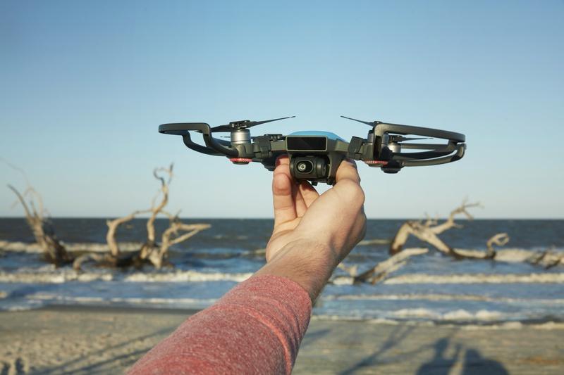 DJI представила сверхкомпактный дрон Spark