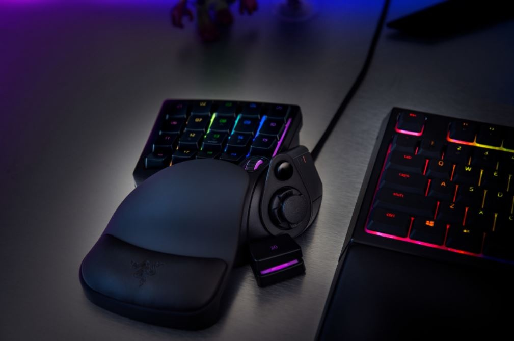 Razer представила модульную мышь икейпад для фанатов MOBA иMMO