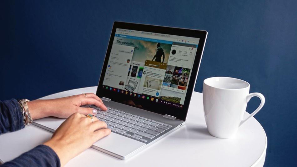 Google запатентовала ноутбук, который сам открывается